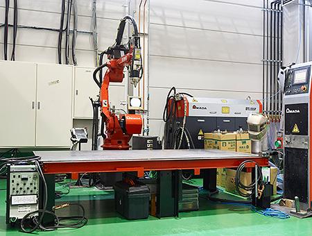 0.3〜2mmの薄板に歪みのない溶接が可能なYAGレーザー溶接機